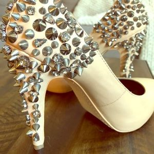 Spiked Sam Edelman pumps